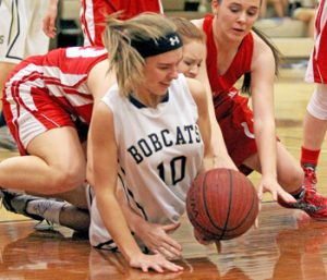Lady Bobcats put clamps down on Palmetto