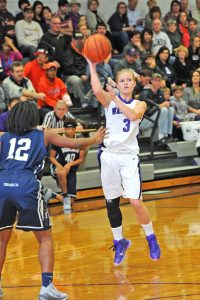Lady Razors withstand Seneca charge in win | Test