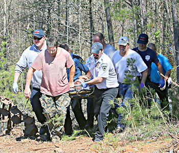 Pair pulled alive from plane crash in Walhalla | Test
