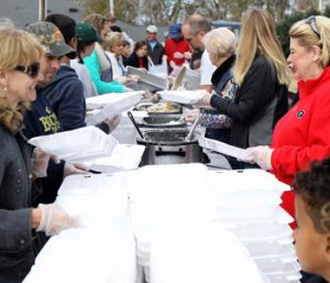 Law enforcement puts community service into action for 'Feed the 5000′   Test