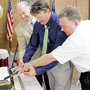 Seneca officials celebrate 10 years of CAT service | Test