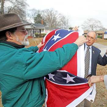 Confederate flag flies again in Walhalla | Test