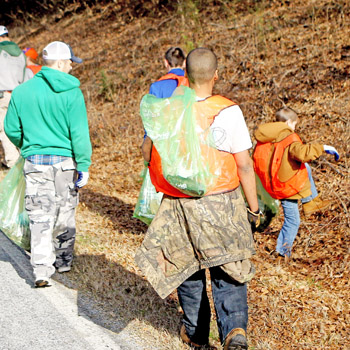 Boys' camp cleans litter from River Road | Test