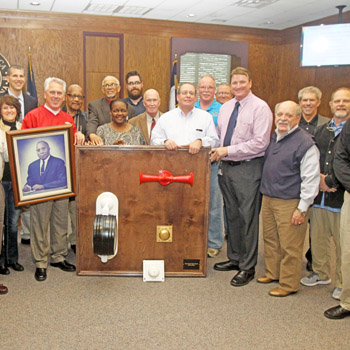 School district makes donation to cultural museum | Test