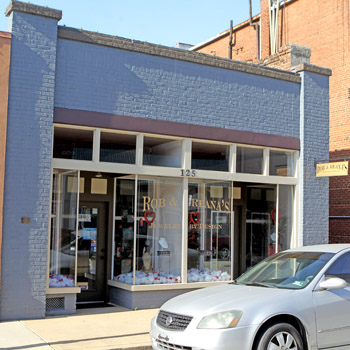 Customers beginning to get property back from downtown Seneca jewelry store | Test