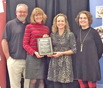 Oconee County foster parent group earns statewide award | Test