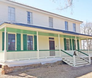 Hopewell porch restoration continues | Test