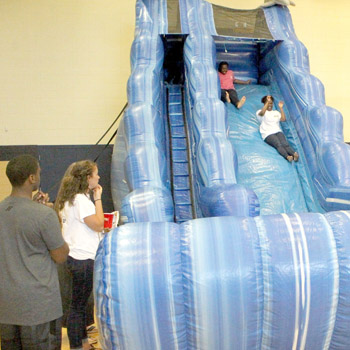 Seneca High students celebrate school's Palmetto's Finest award   Test