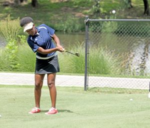 Clemson hosts golf camp for young black women | Test