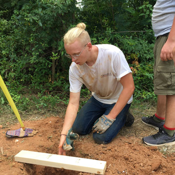 Boy Scout erects fence in Monarch Park | Test