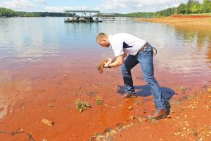 Clemson University student helps fight Lake Hartwell water taste, odor issues | Test