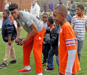 Clemson players give back to area students | Test
