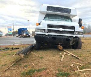 Bus crash closes highway | Test