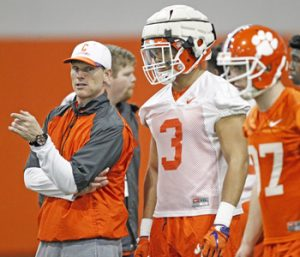 Clemson defense struggles in scrimmage | Test