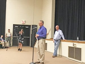 Tethering bill meeting draws crowd in Pickens County