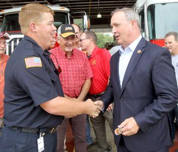 Duncan visits emergency responders