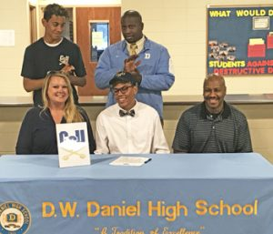 Daniel's Smith signs with Charleston Southern | Test