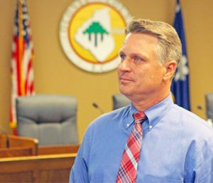 County employees bid farewell to Moulder | Test