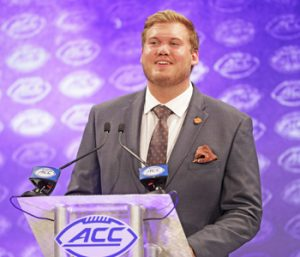 Hyatt returns to lead Clemson's offensive line | Test