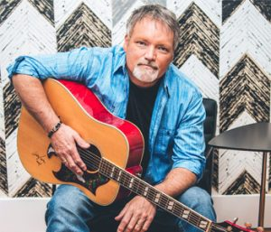 Walhalla welcomes country legend on Saturday