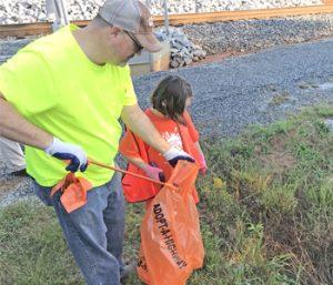 Weekend Utica trash cleanup draws nearly 50 volunteers | Test