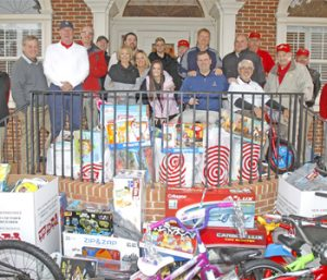 Rain doesn't stop Toys for Tots donations | Test