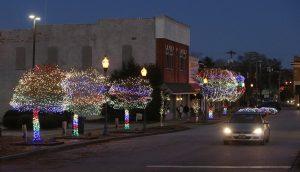 Seneca officials say Christmas lights a success