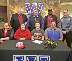 Razorbacks' Shultis inks with Newberry