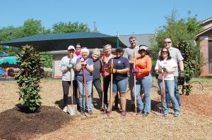 Leadership Clemson class members give back to Calhoun Bridge Center | Test