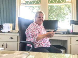 Chamber official  retires after 15 years   Test