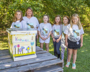 Keowee students learn about importance of beehives